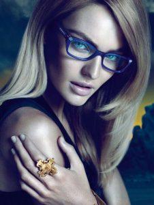 Consejos belleza mujeres gafas 226x300 Consejos de belleza para las mujeres que llevan gafas