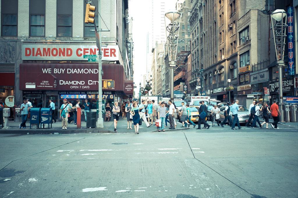 calle 47 nueva york 1024x680 Como celebrar el fin de año en Nueva York