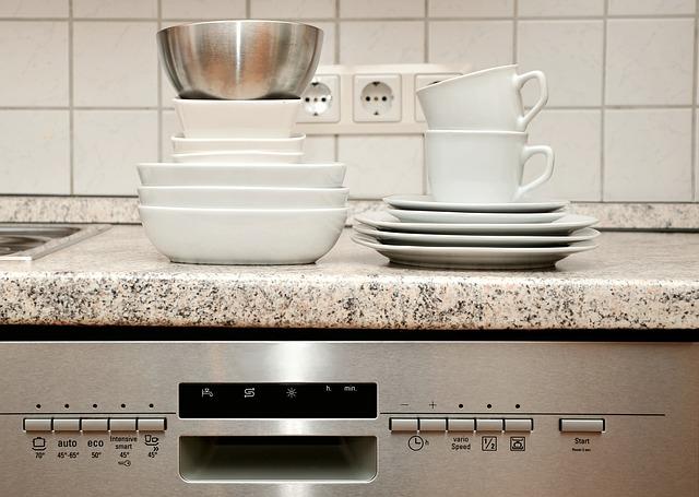 reparacion lavavajillas Cómo cuidar tus electrodomésticos al marcharte de vacaciones.