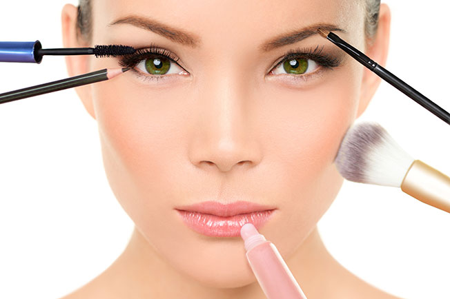 maquillaje noche Maquillaje de noche: Iluminadores faciales y corporales