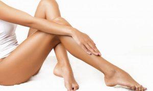 depilacion geles afeitado piernas 300x179 ¿Qué Método de Depilación es el Ideal para Afeitarse, Cera o Geles?