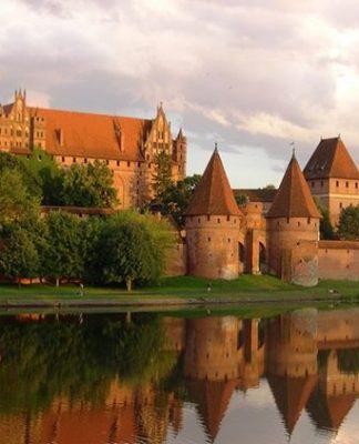 castillos en polonia 324x400 Home