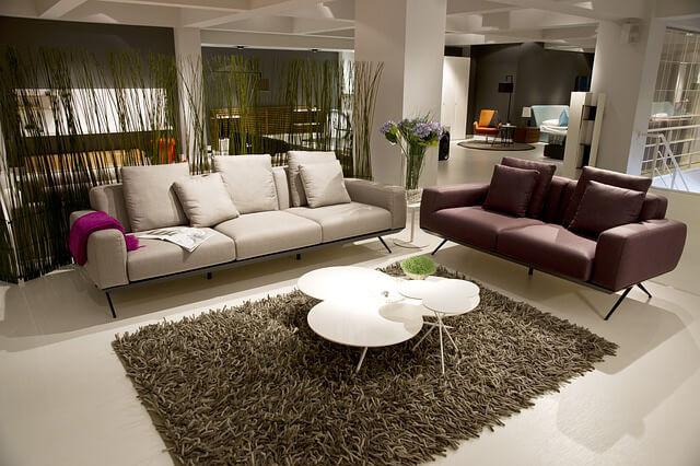 Alfombra y sofas Consejos de decoración para refrescar el interior de tu hogar