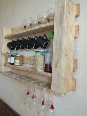 Decoración pallets tazas Ahorra espacio en tu cocina gracias al bricolaje