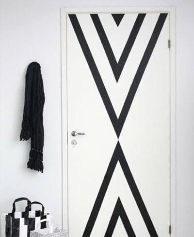 Puerta decorada con cinta aislante 9 ideas para decorar las puertas interiores de tu casa