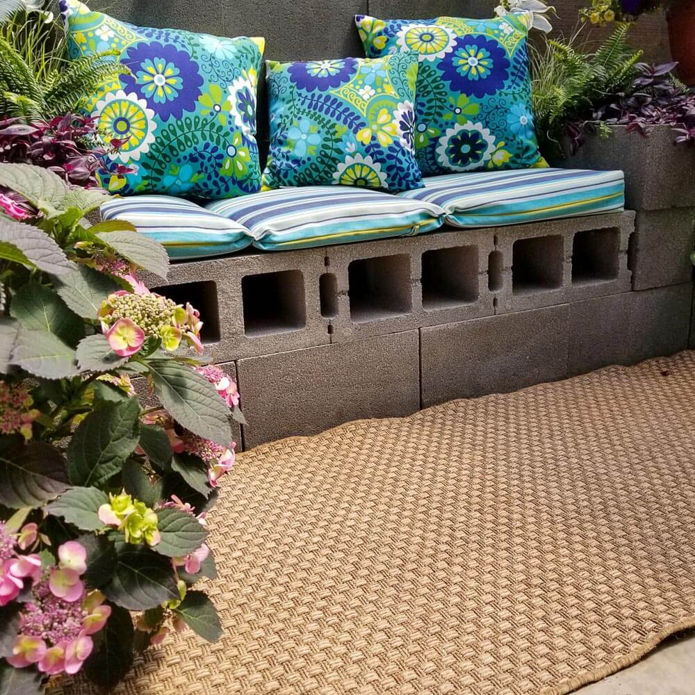 Banco rustico jardín ¿Cómo hacer un jardín bonito sin dejarte el bolsillo en el intento?
