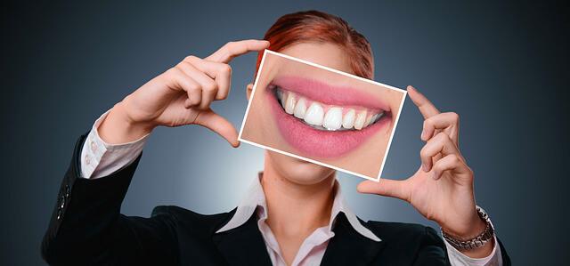 Sonrisa y dientes Salud dental, la sonrisa como clave de éxito
