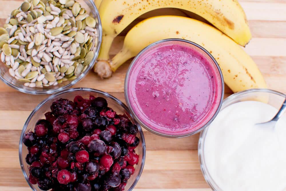 Batido de yogurt con plátano Batidos saludables, dulce aroma y cuerpo sano.