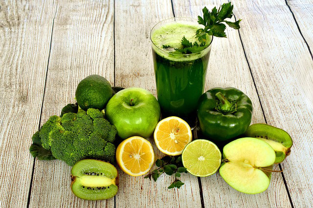 Batido verde Batidos saludables, dulce aroma y cuerpo sano.