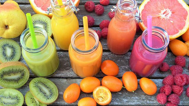 Batidos de frutas variadas Batidos saludables, dulce aroma y cuerpo sano.