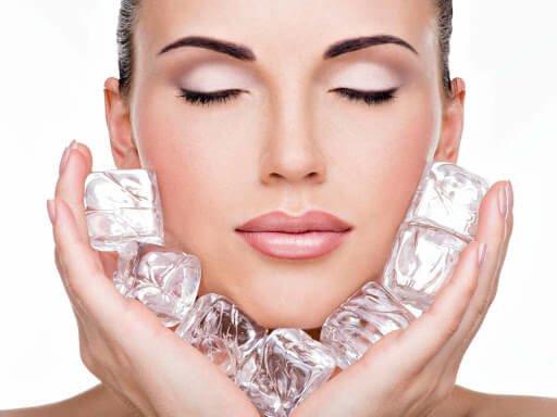 Hielo para reducir el acne 4 Ventajas increíbles del hielo para la belleza de tu piel