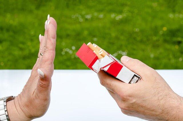 No fumar para no tener arrugas 9 sencillas maneras de reducir las arrugas y ser más bella