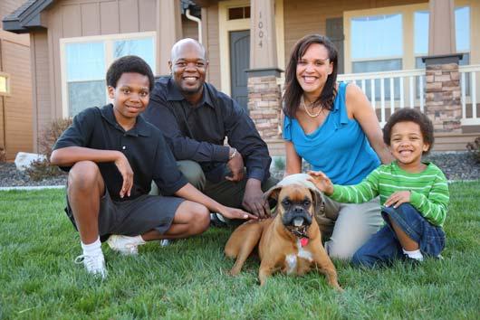 fotos familiares con mascotas 6 Ideas originales para tus fotos familiares